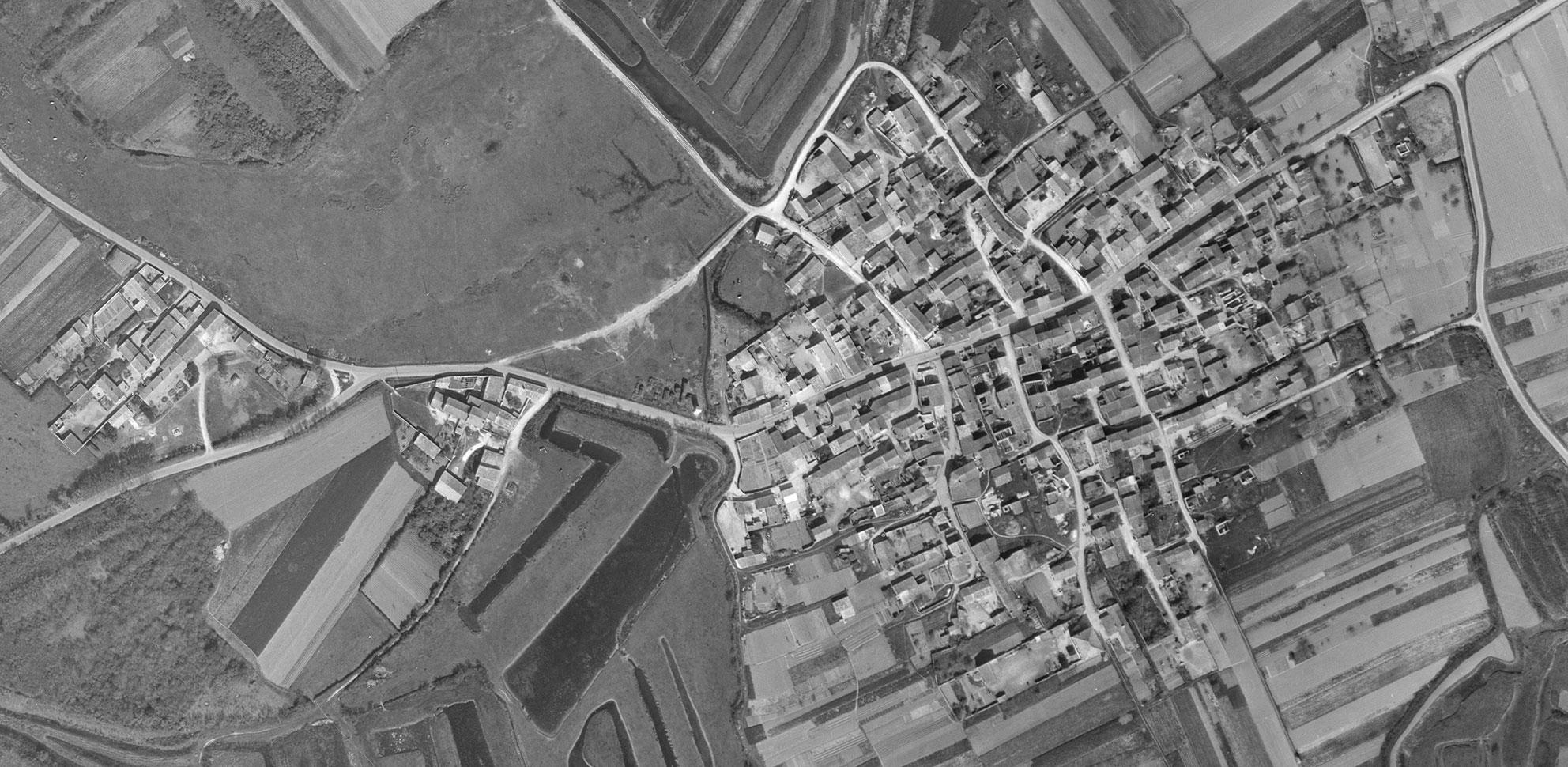 Arceau, 1956 (© IGN)
